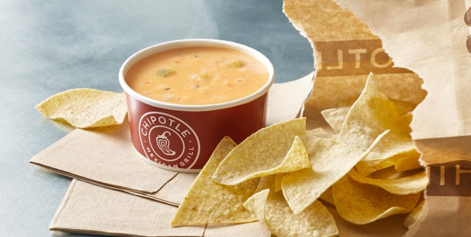 Chipotle queso and chips