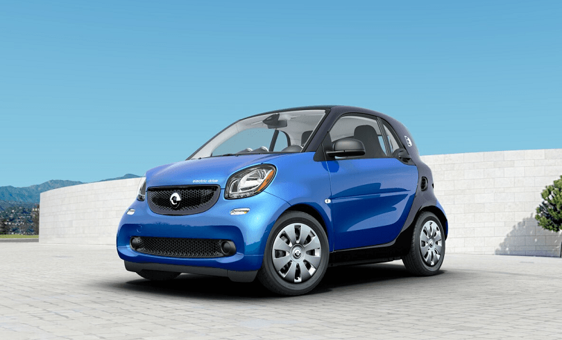 Front three-quarter view of Smart Electric Drive in blue