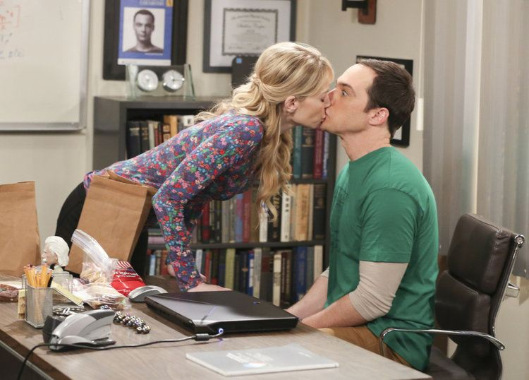 Ramona kissing Sheldon on The Big Bang Theory