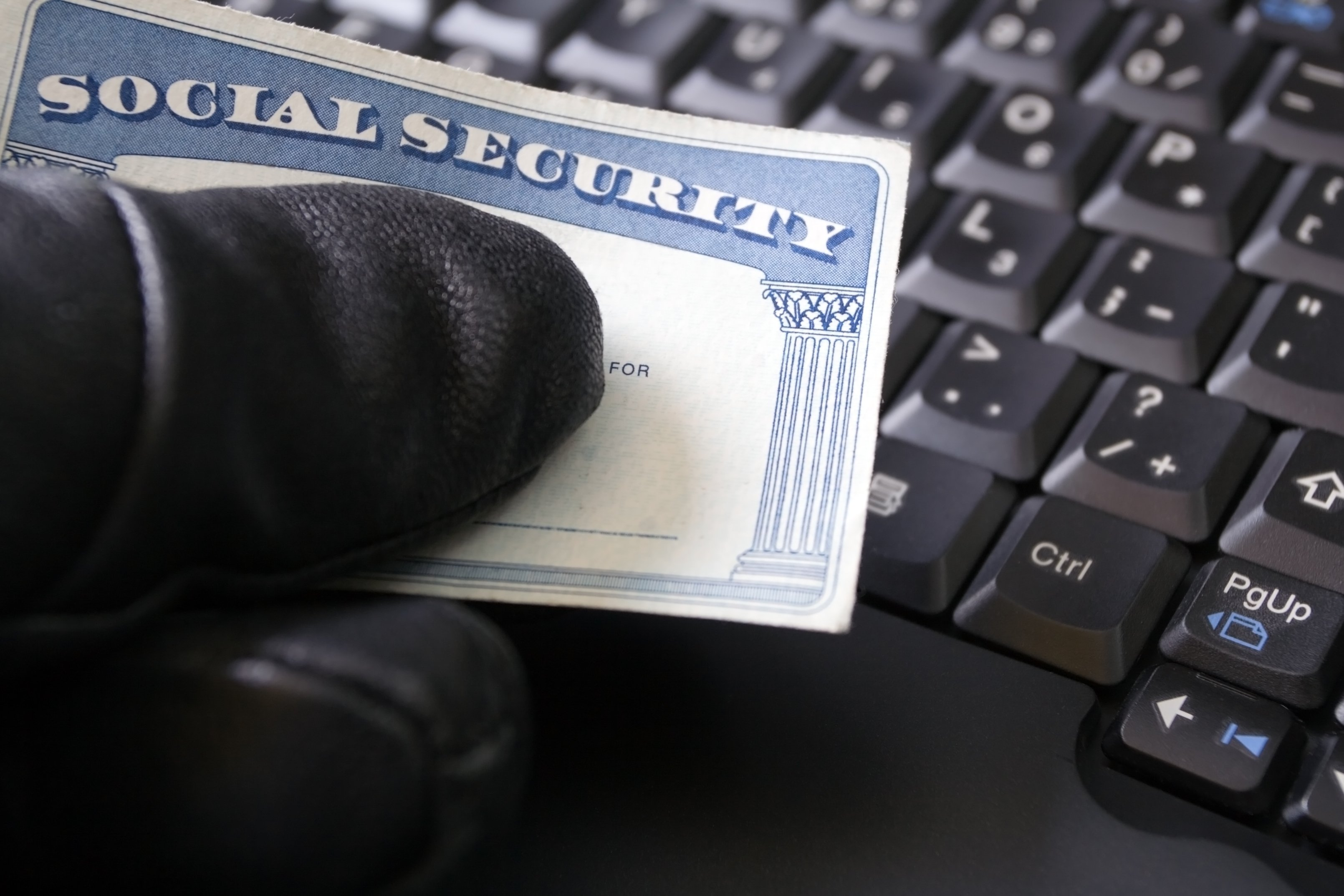 Social security identity thief