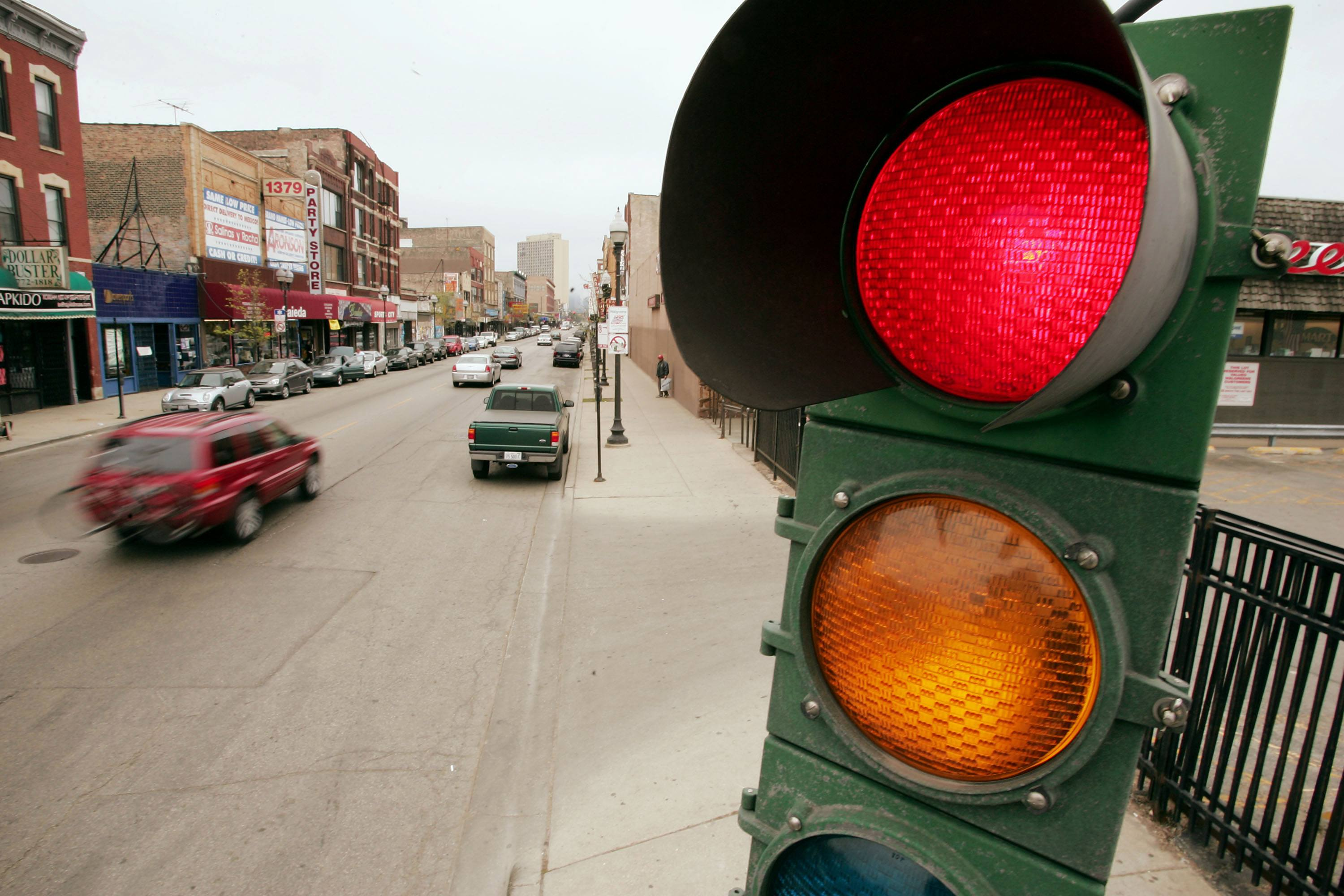 Red light stops traffic in Chicago