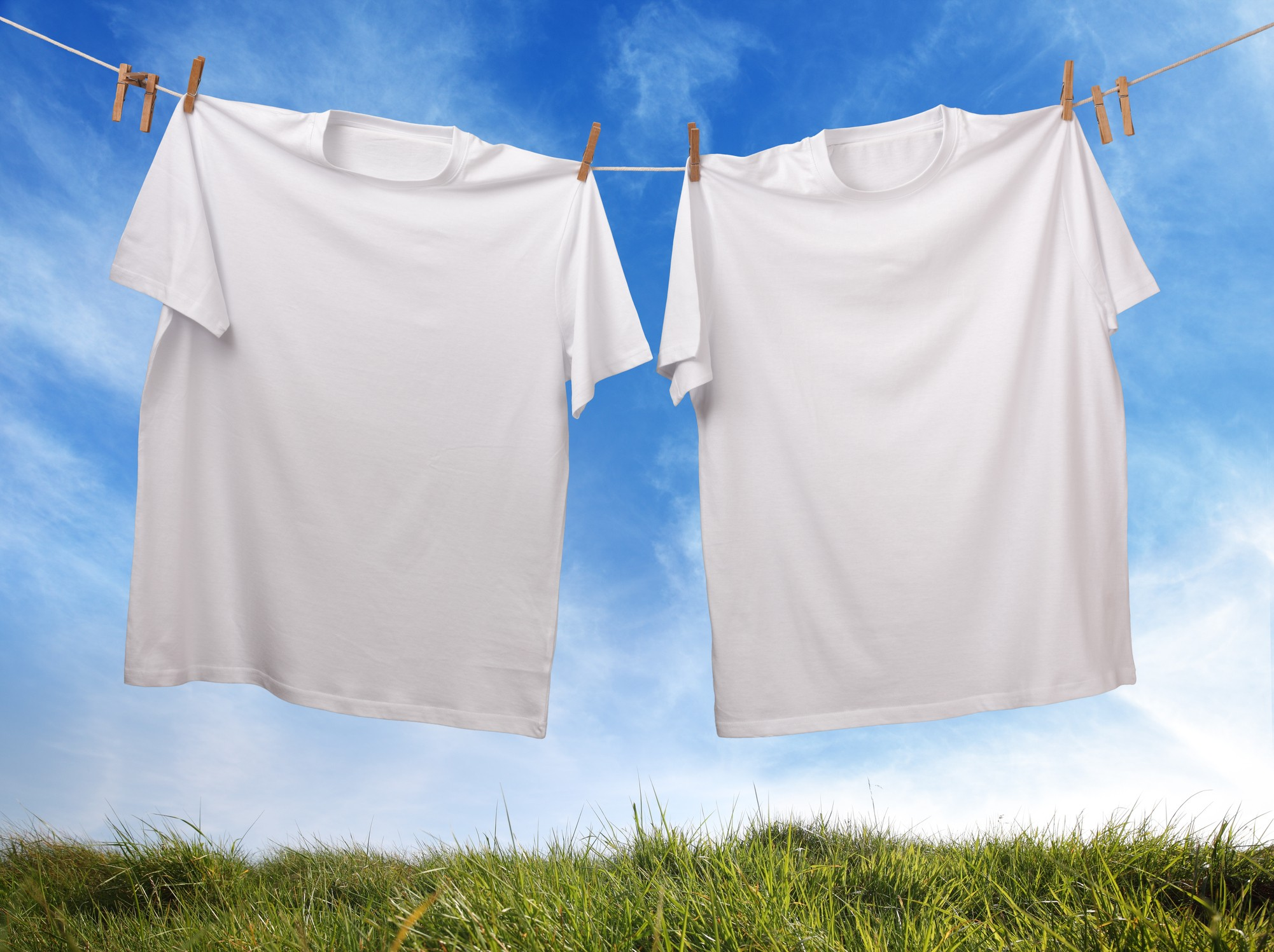 These Easy Tips Will Keep Your White Shirts White Not Yellow