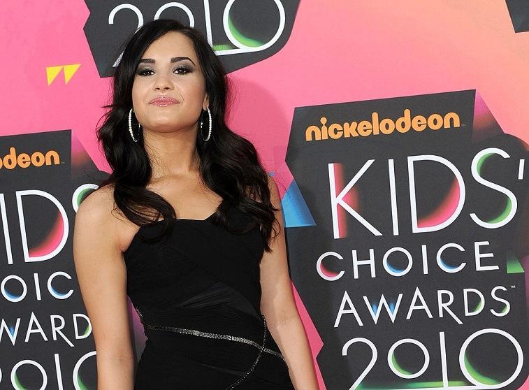 Singer Demi Lovato