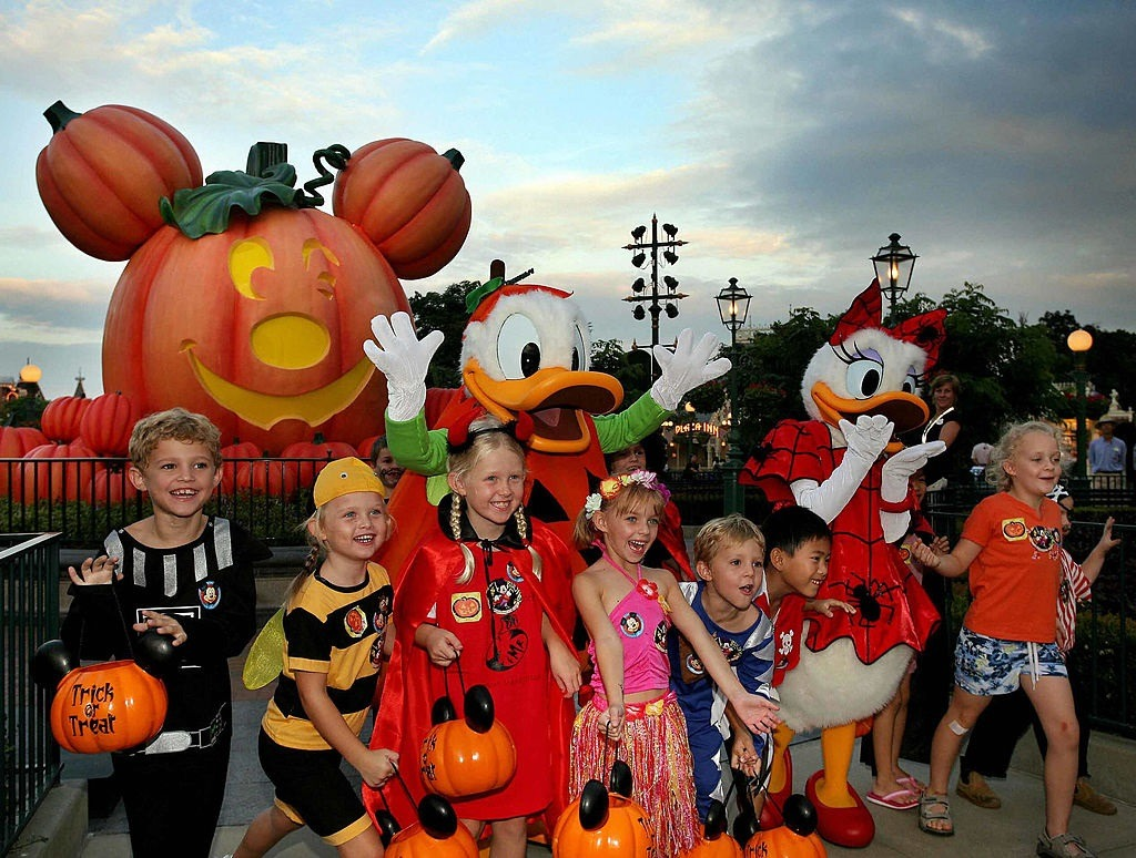 Halloween costumes post