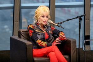 Dolly Parton Talks Weinstein Scandal, Gives Advice to Young Actresses