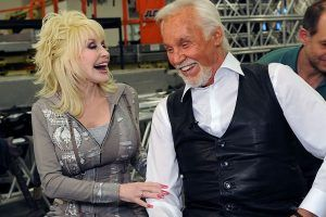 Dolly Parton, Kenny Rogers Sing Final Duet   Watch the Performance Here