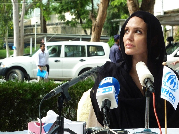 Angelina Jolie gives a press conference in Pakistan on September 8, 2010.