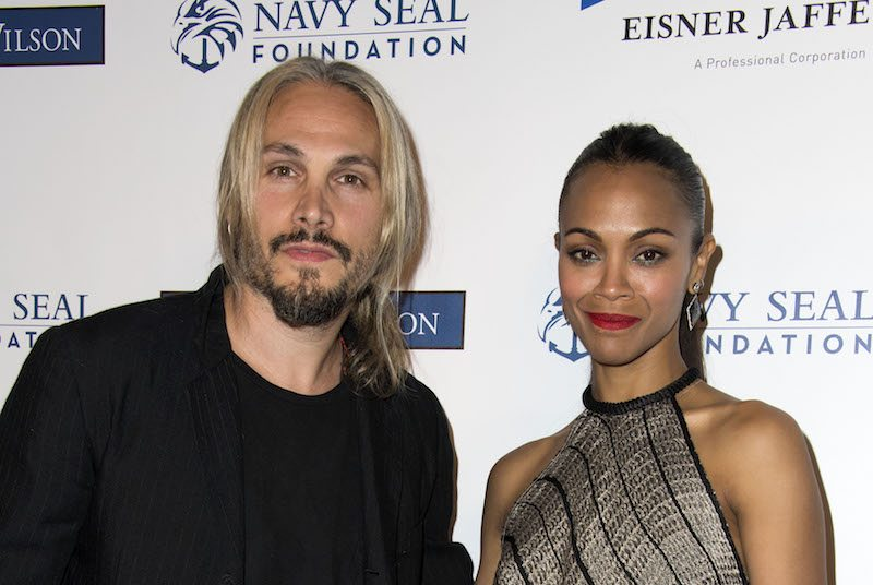 Actress Zoe Saldana (R) and husband Marco Perego attend the 2017 Los Angeles Evening of Tribute Benefiting the Navy SEAL Foundation