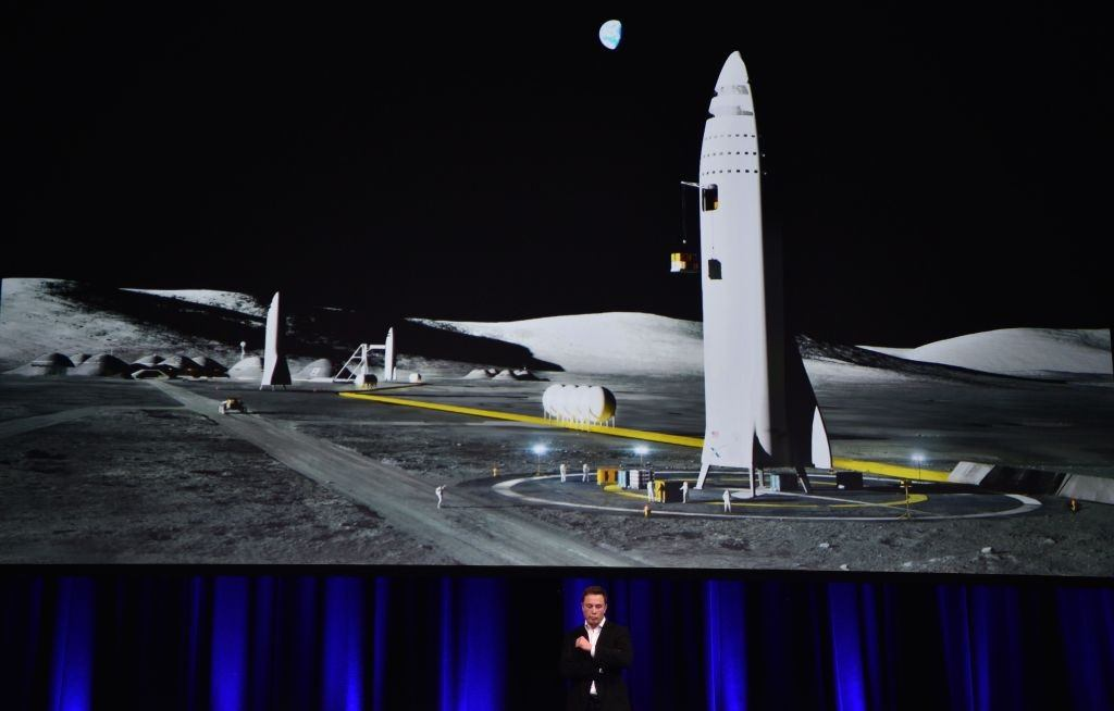 Elon Musk unveils plans to colonize Mars
