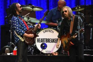 Watch Coldplay, R.E.M. Guitarist Honor Tom Petty By Performing Signature Tune