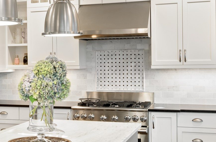 Kitchen backsplash accent