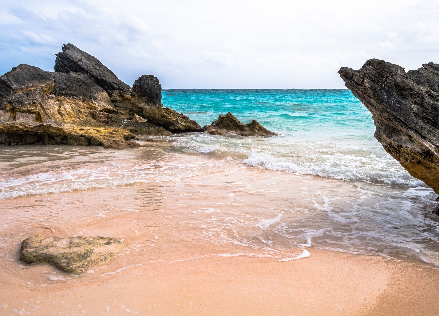 Bermuda Horseshoe Bay beach