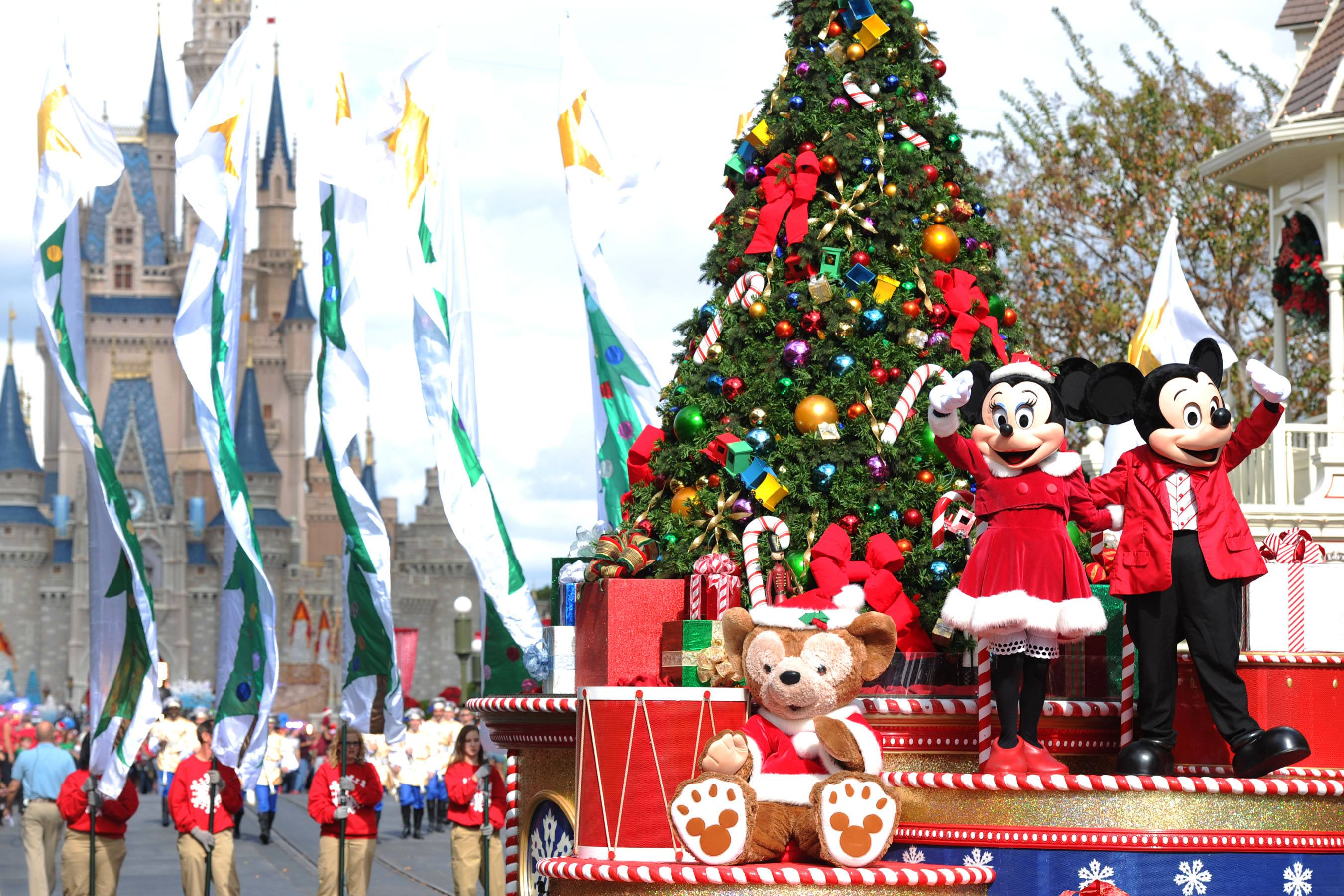 this is why its a waste of money to visit disney world at christmas