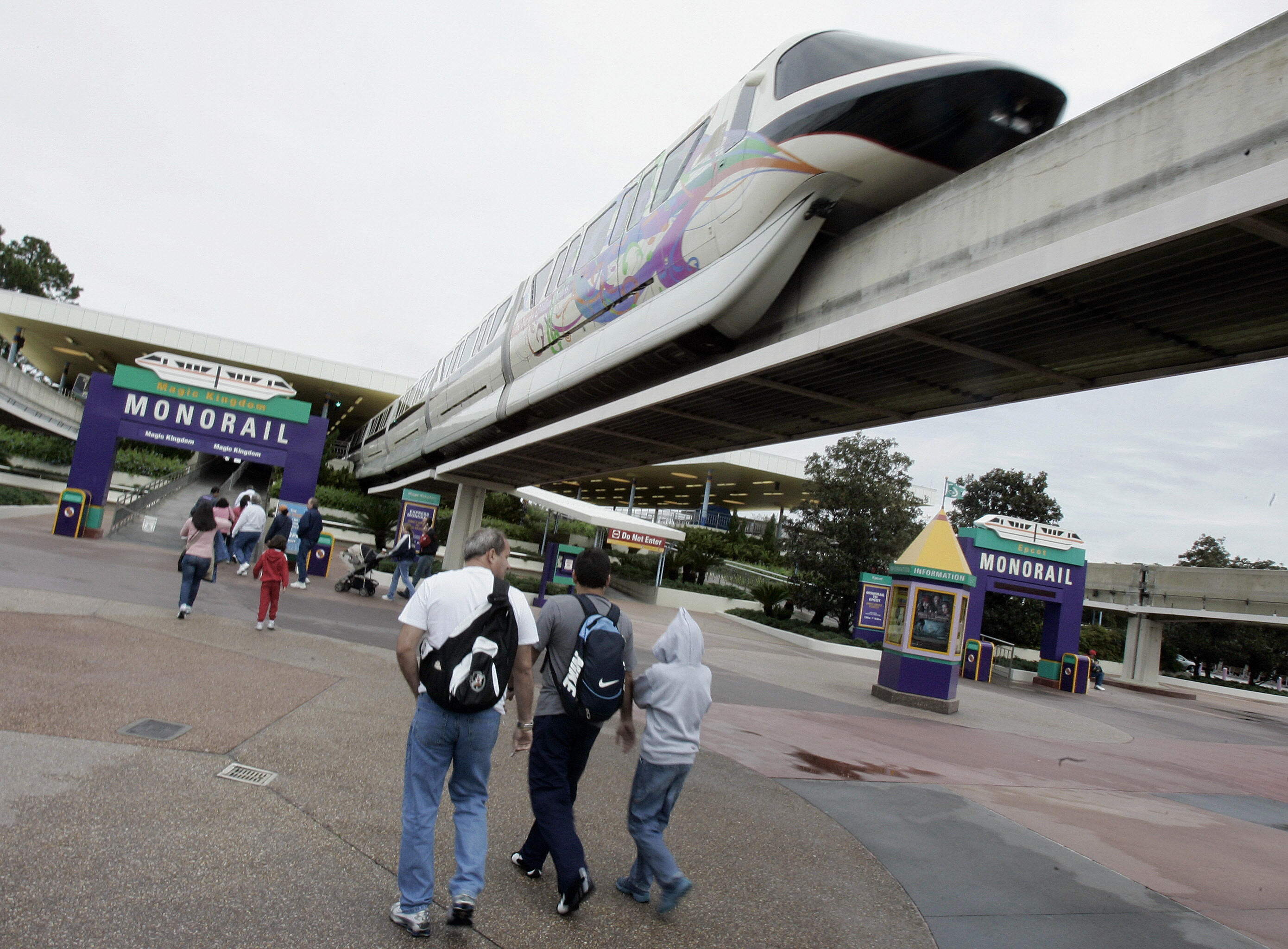 Disney World mono rail