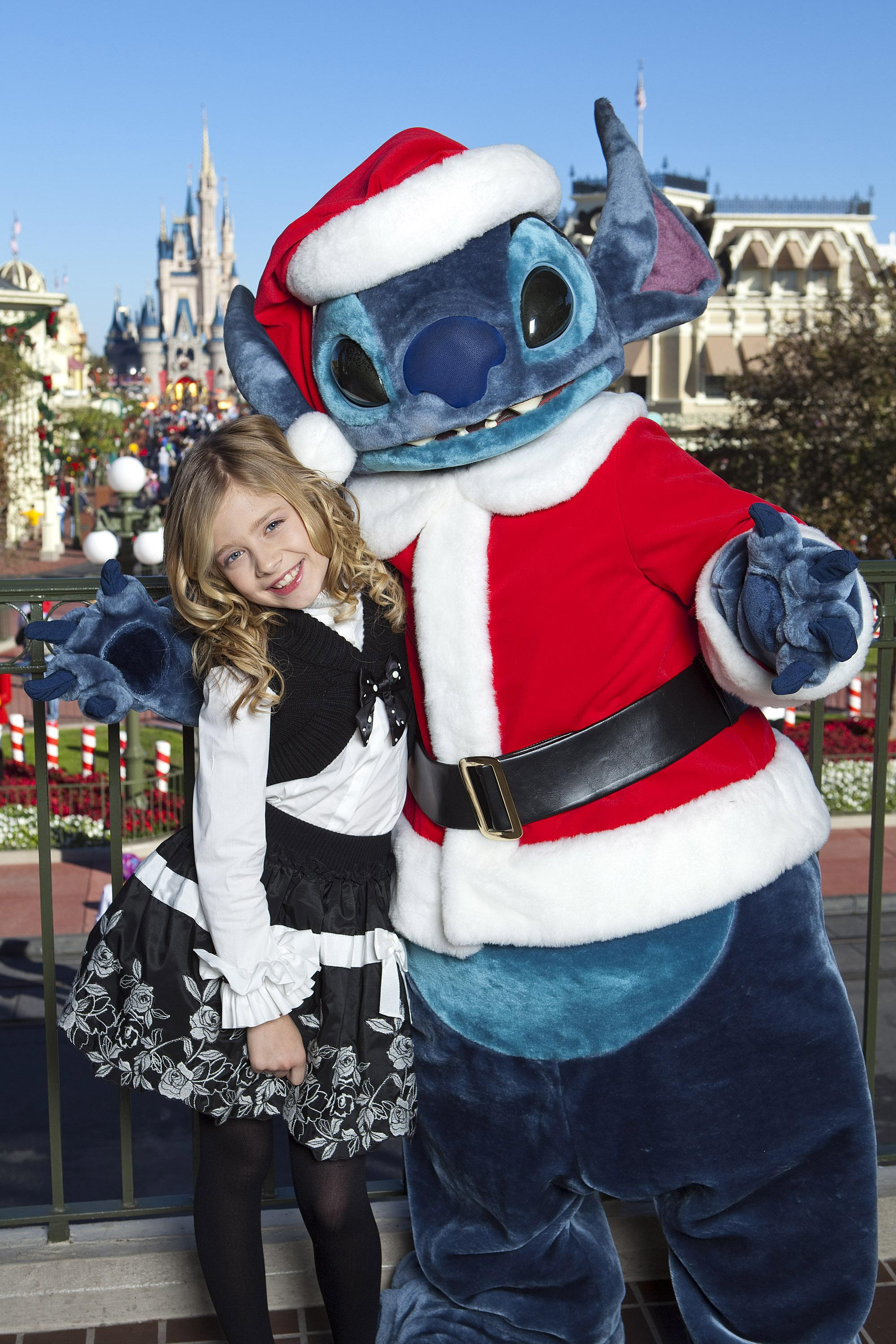 disney parks christmas day parade tv taping at the magic kingdom