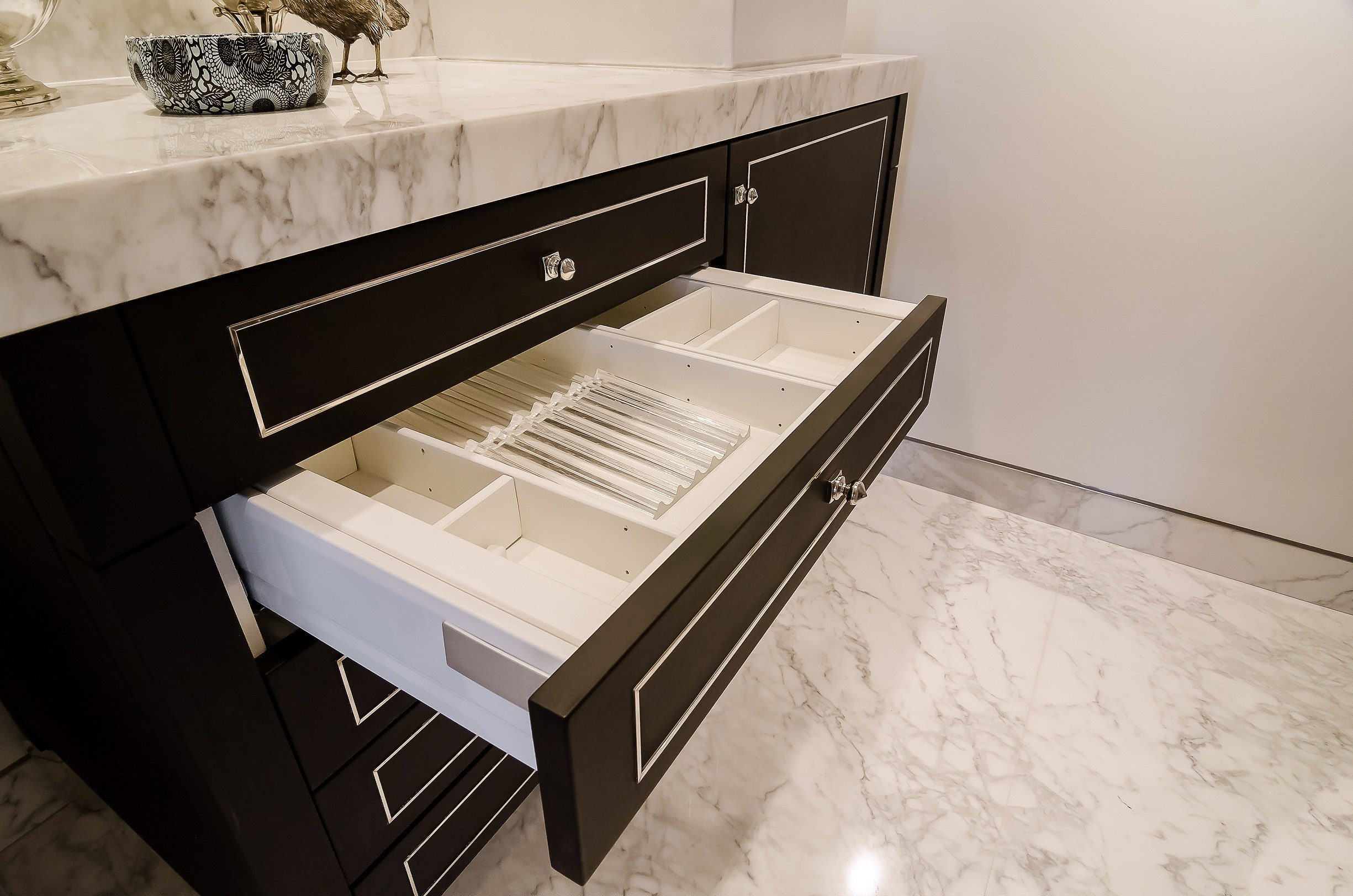 bathroom with dividers for better organization