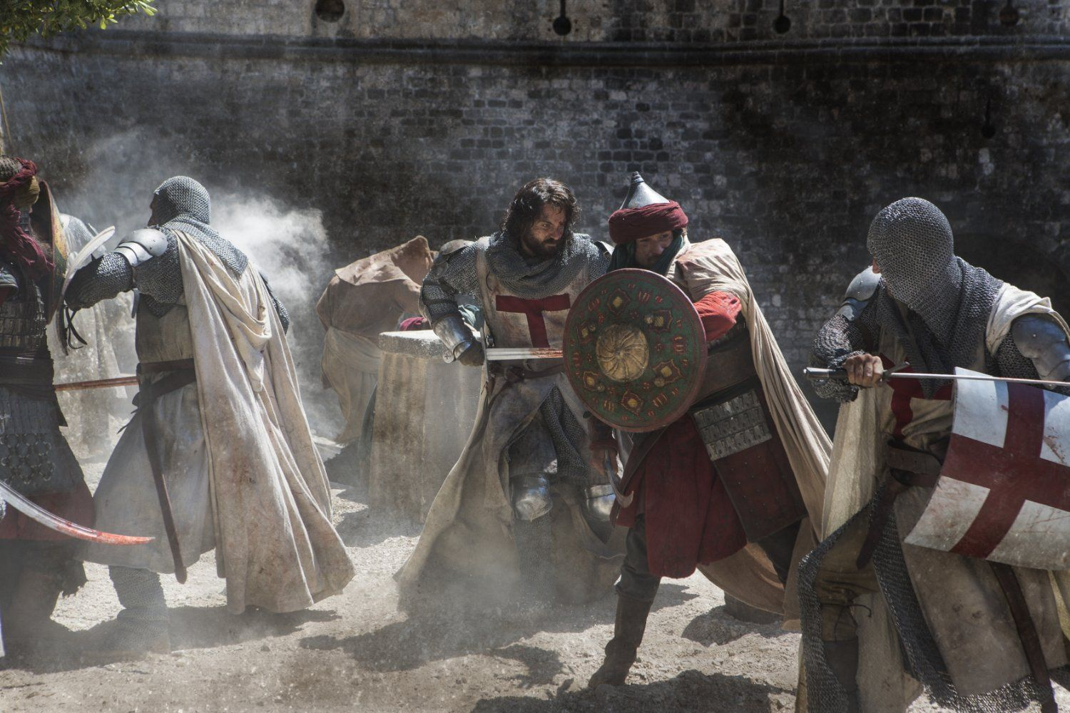 Tom Cullen and others fighting in Knightfall