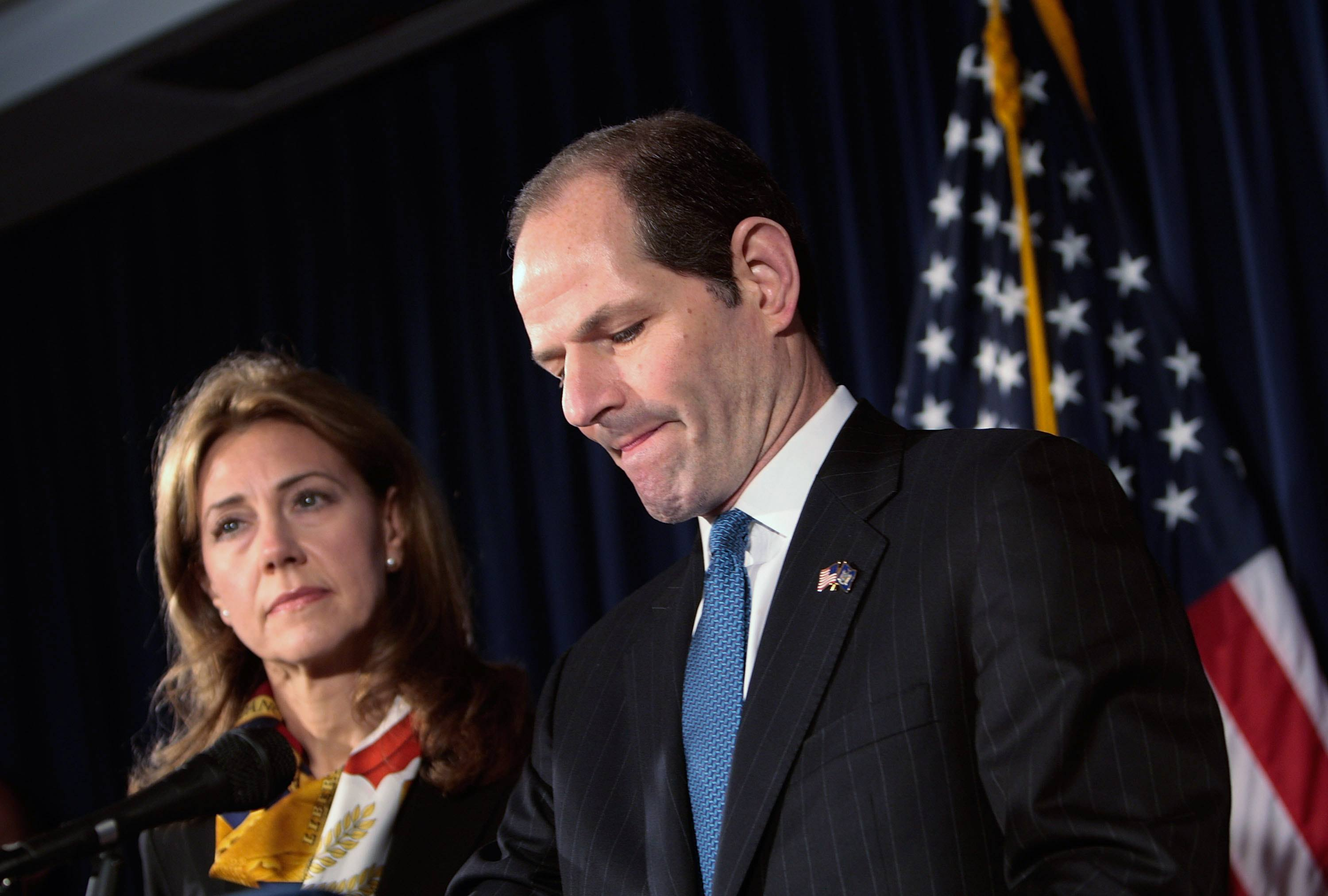 New York Governor Eliot Spitzer (R) announces his resignation