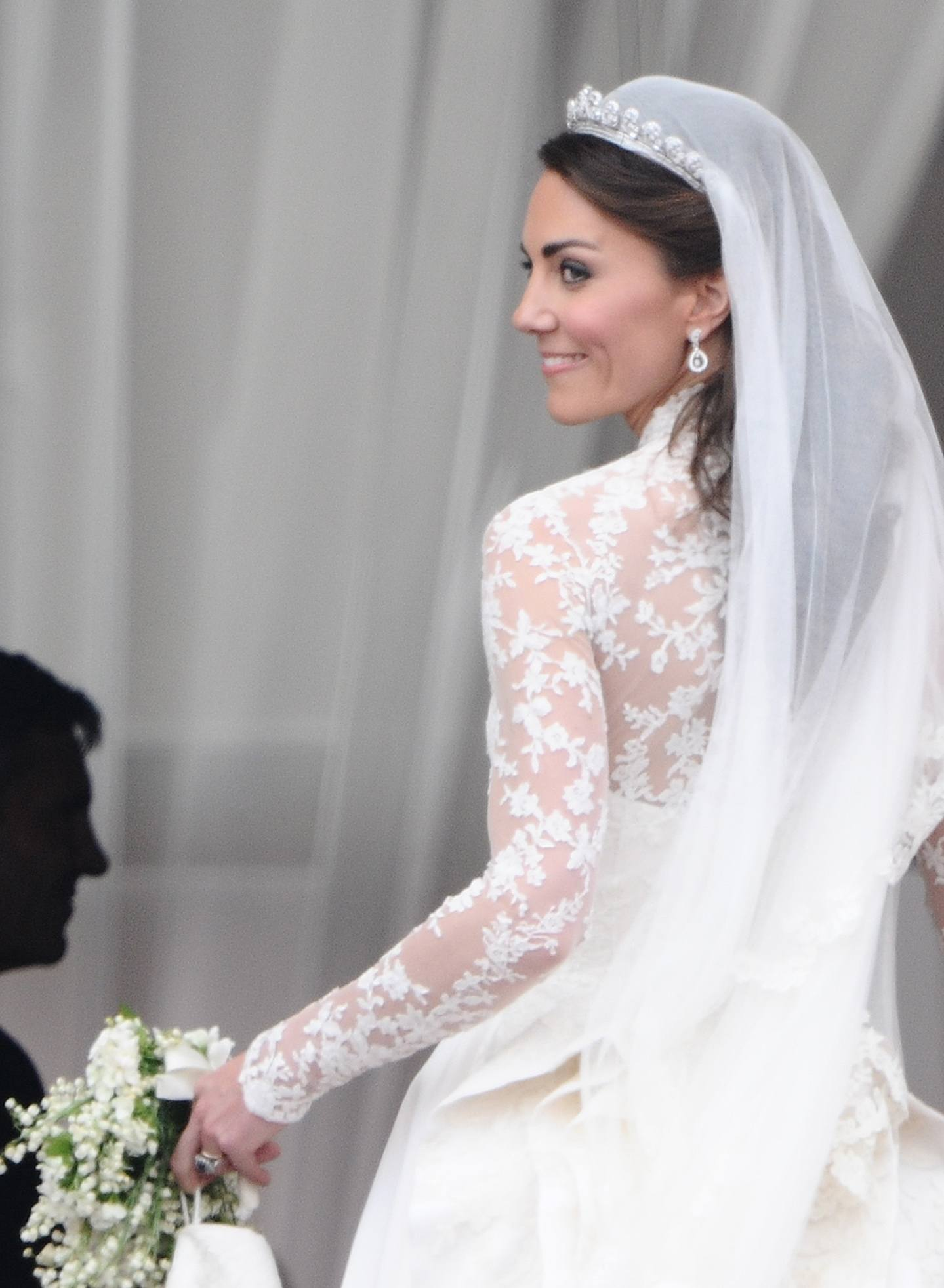 Here\'s Kate Middleton\'s Second Wedding Dress You Never Got to See ...