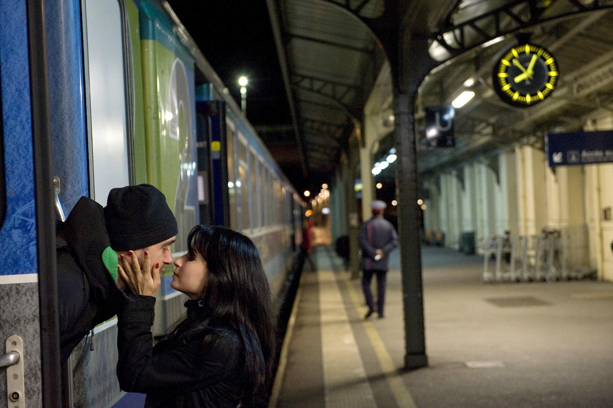 Kissing train station