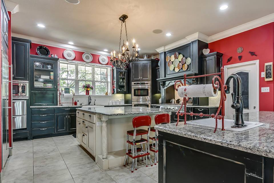Magnolia Realty Kitchen