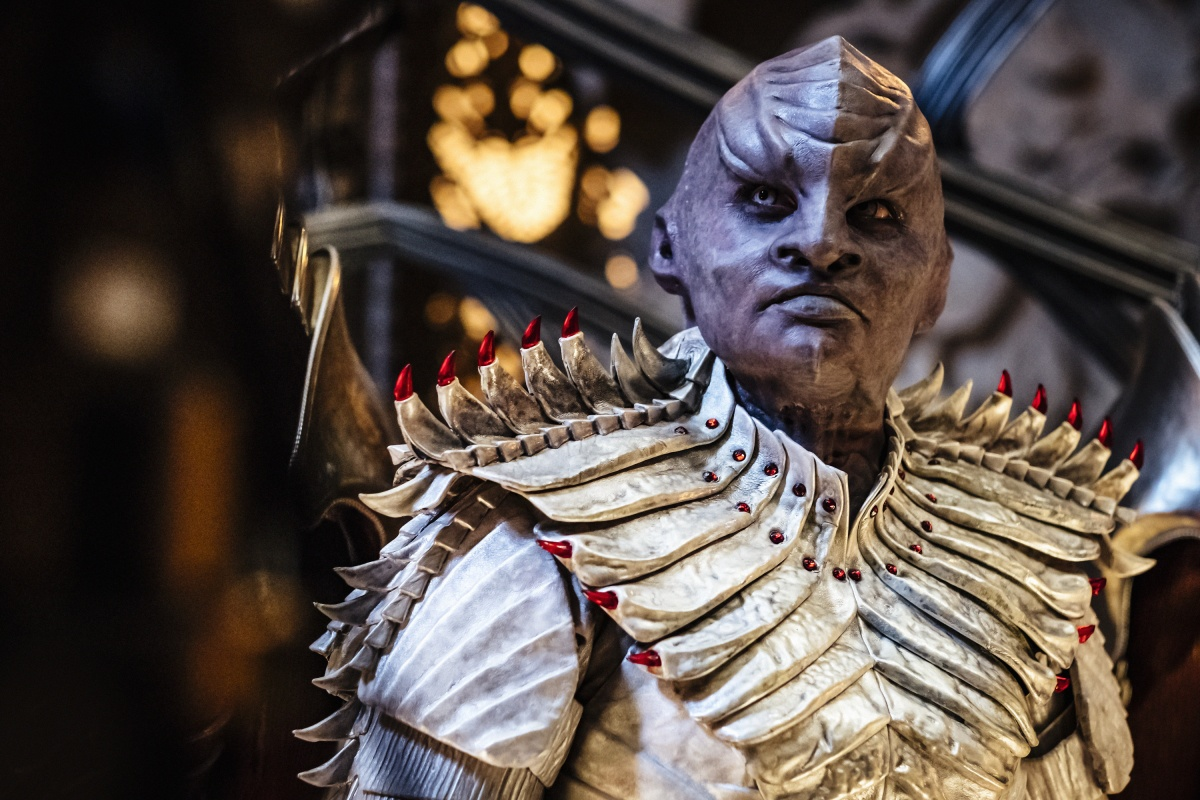 A Klingon in a gold outfit on Star Trek: Discovery
