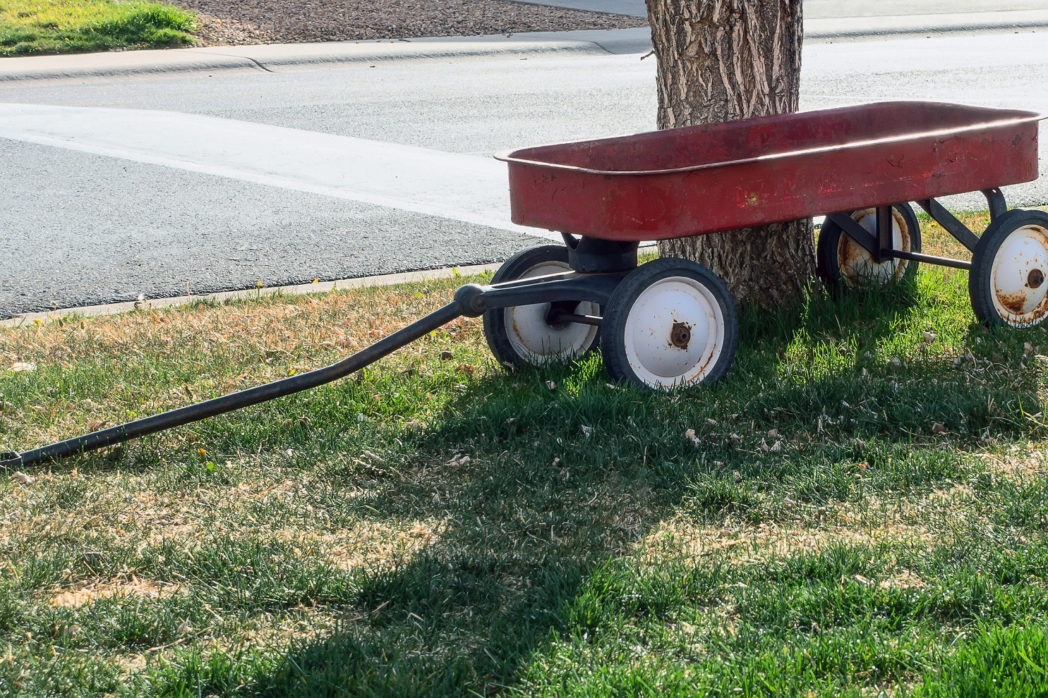 Toy red wagon