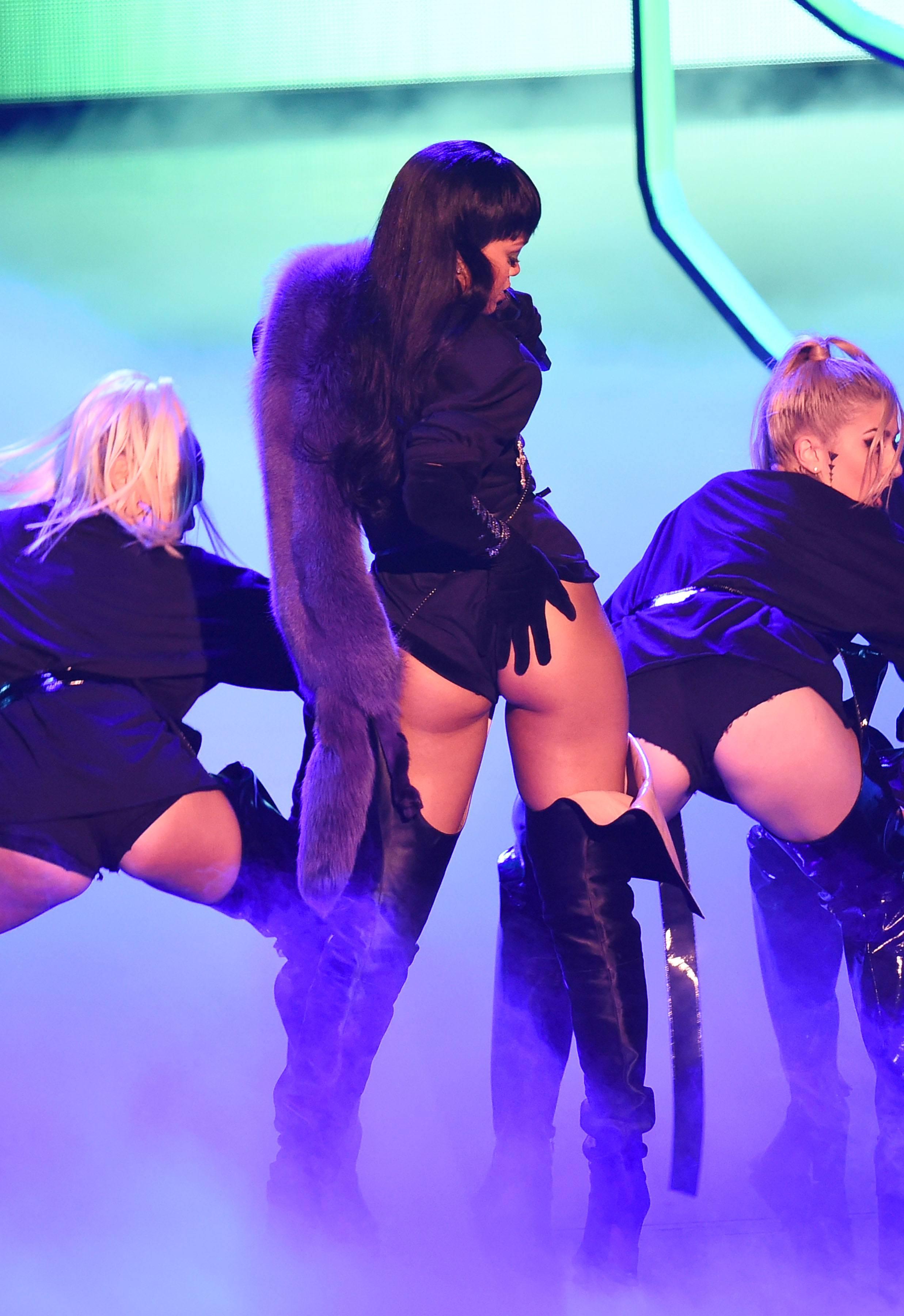 Rihanna MTV