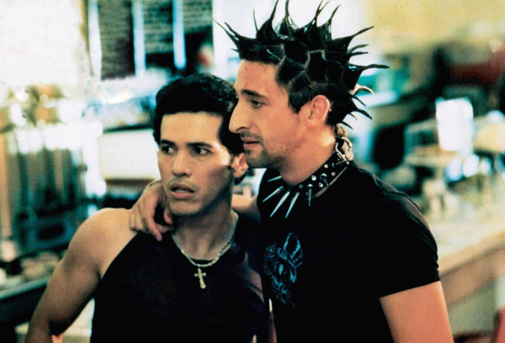 John Leguizamo as Vinny and Adrien Brody as Ritchie in Summer of Sam