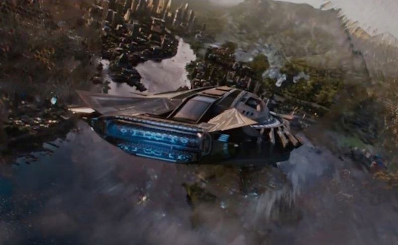 A ship flies over Wakanda in black panther
