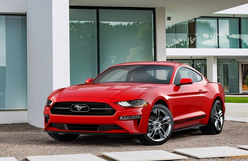 The pony is going back into the corral. An available Pony Package for the 2018 Mustang – offered with EcoBoost®-equipped cars – gives a nod to the nameplate heritage with its grille-mounted pony-in-corral badge design.
