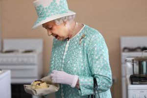 What Foods Does Queen Elizabeth II Refuse to Eat and Why?