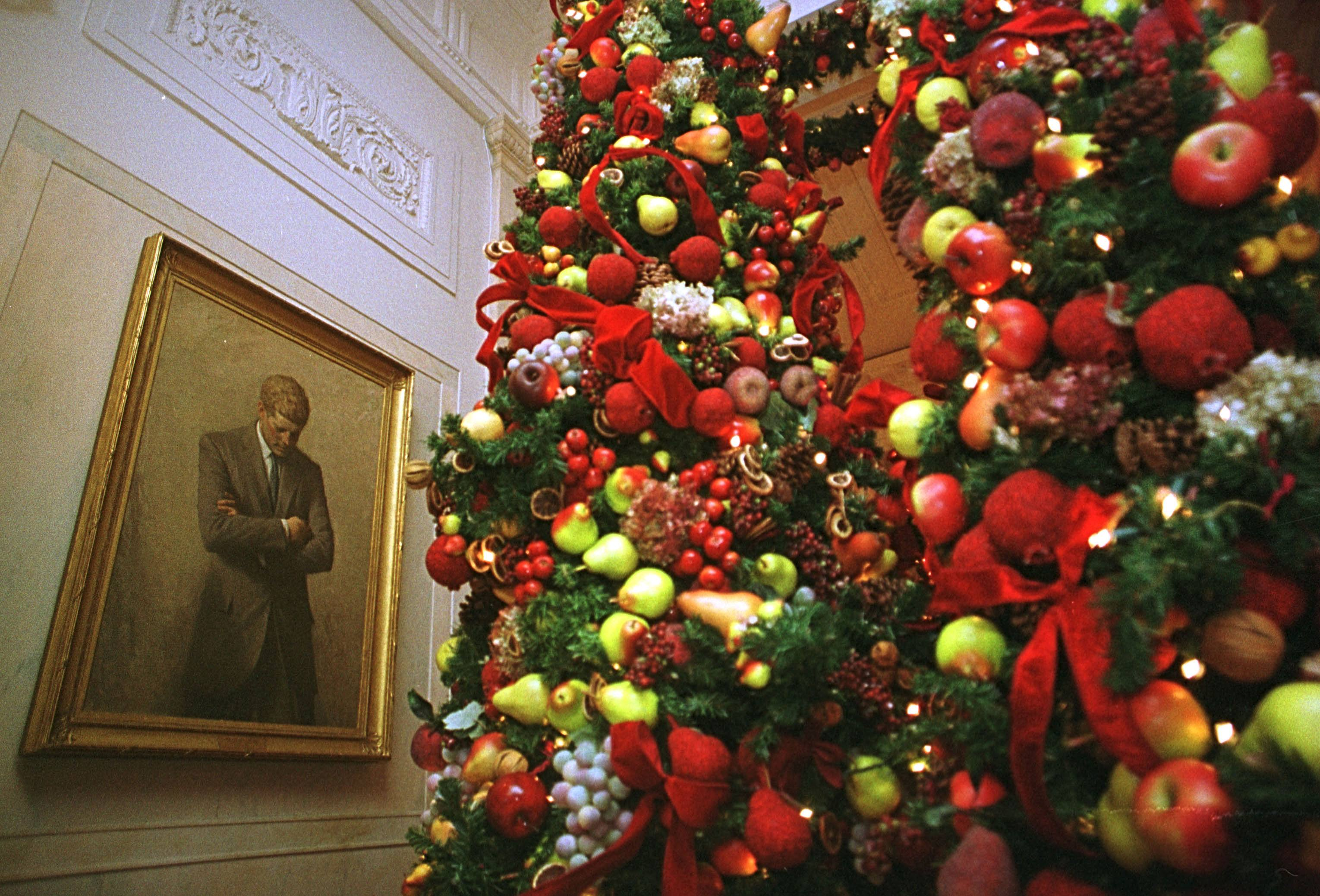 clinton's christmas decorations
