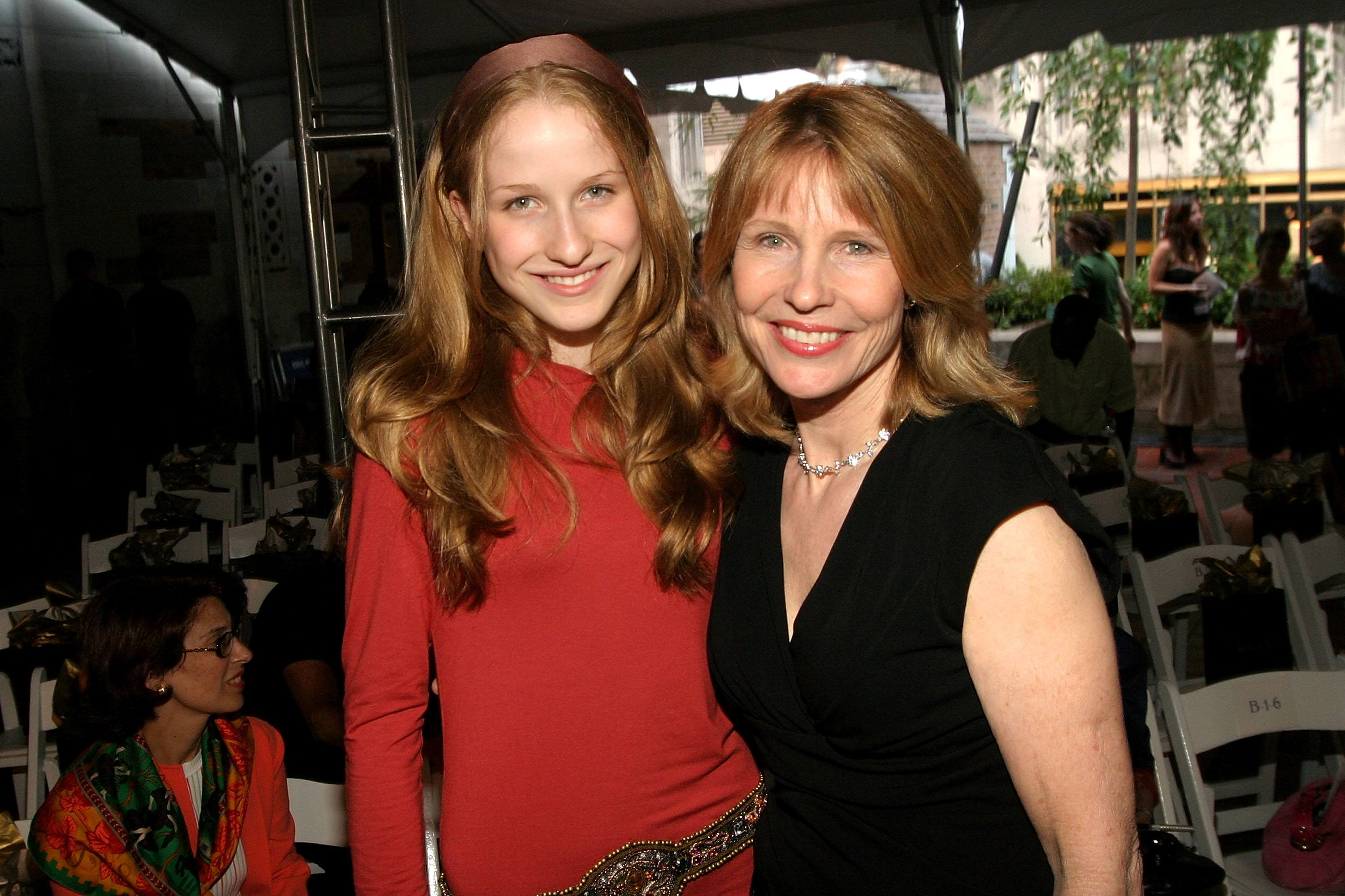 Caroline Giuliani (L) and her mother Donna Hanover in 2005