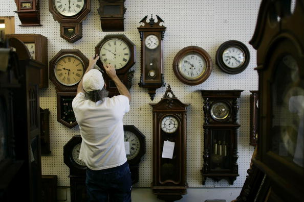 Man adjusts 20 clocks for daylight saving time