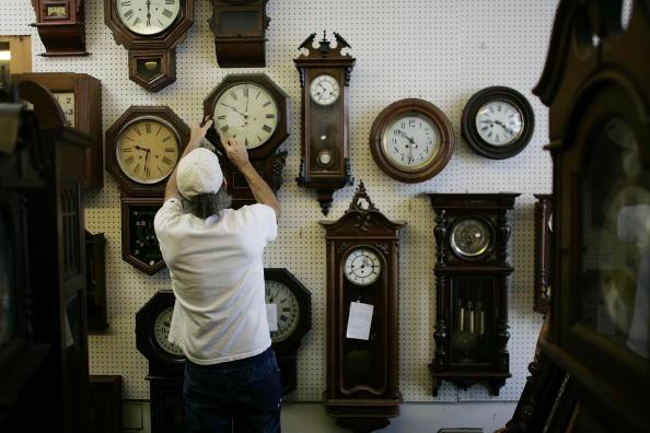 Man adjusts 20 clocks for daylight saving time