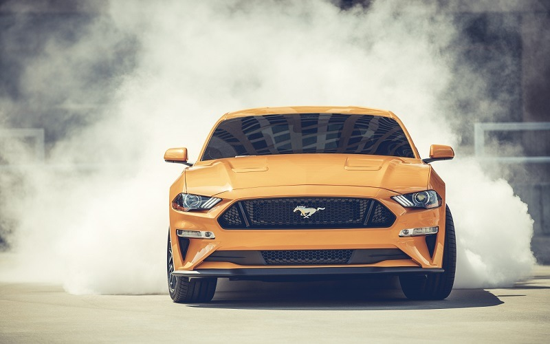 Front view of 2018 Mustang in Orange Fury with Performance Pack