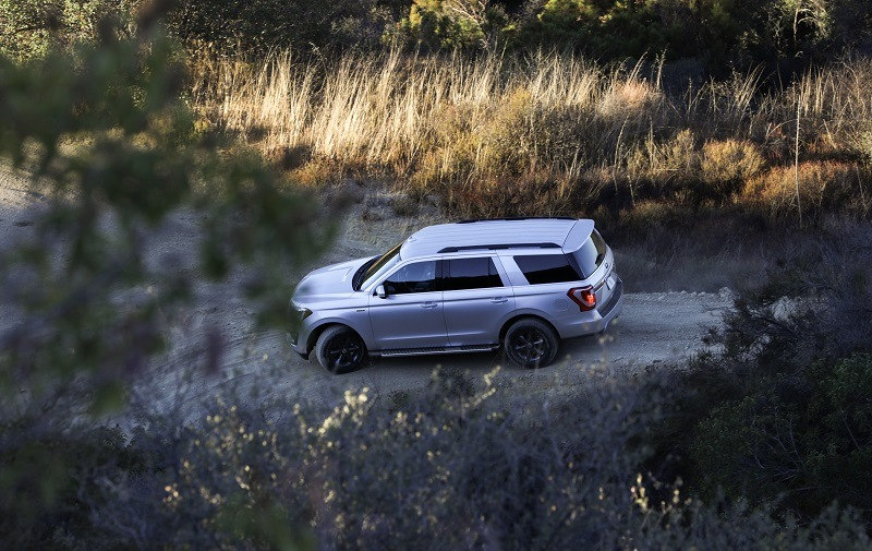 OVerhead shot of 2018 Ford Expedition on off-road course
