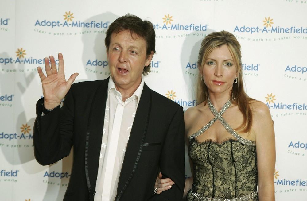 Sir Paul McCartney (L) and his wife Lady Heather Mills McCartney
