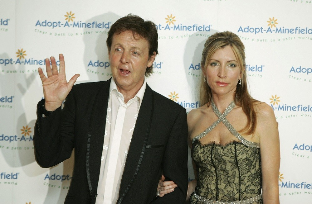 Sir Paul McCartney (L) and his wife Lady Heather Mills McCartney