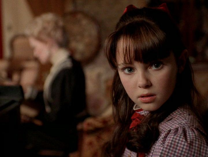 AnnaSophia Robb as Samantha Parkington in Samantha: An American Girl Holiday