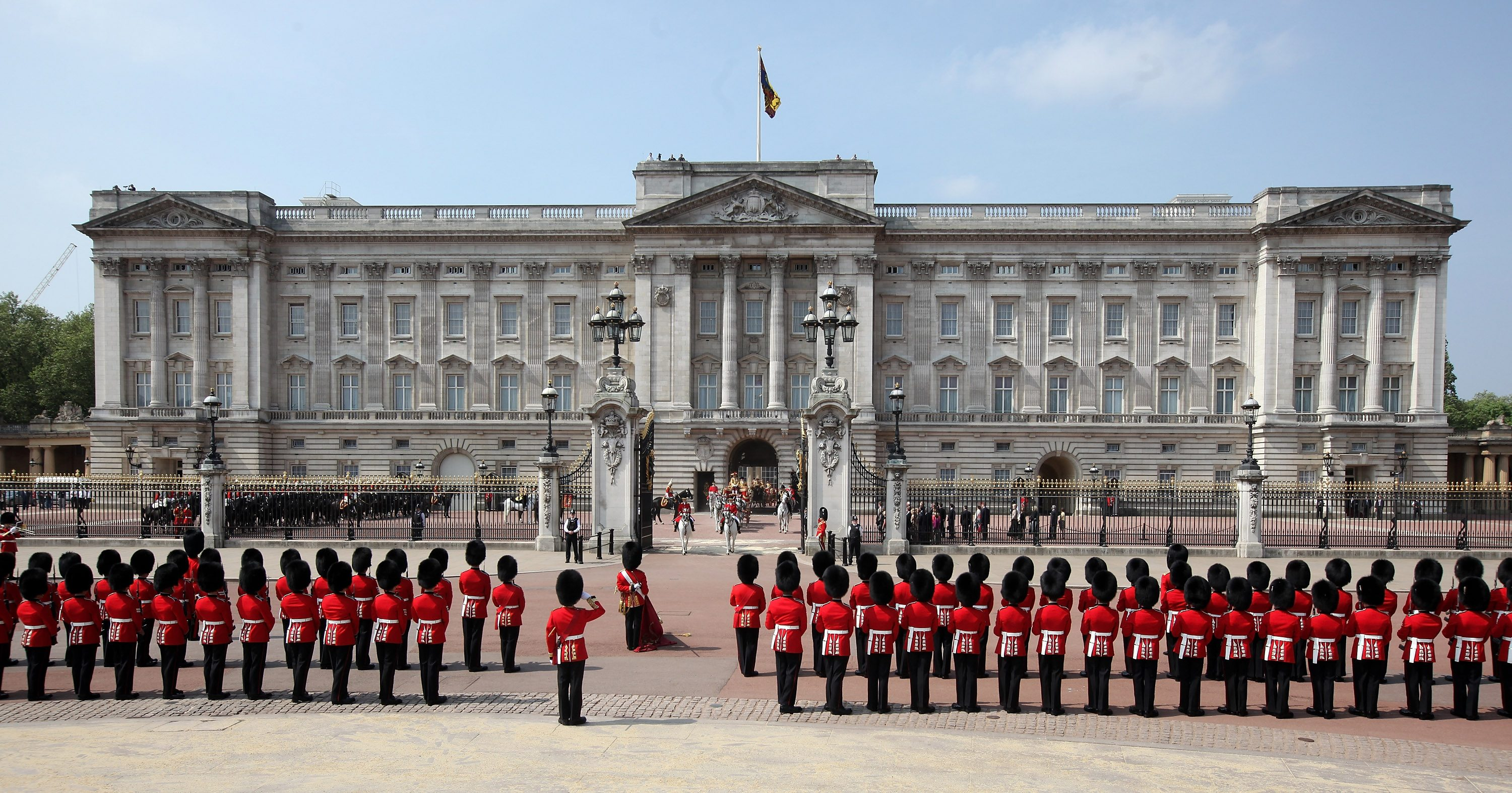Which Royal Residences Will Donald Trump Get To See When He Meets Queen Elizabeth Ii