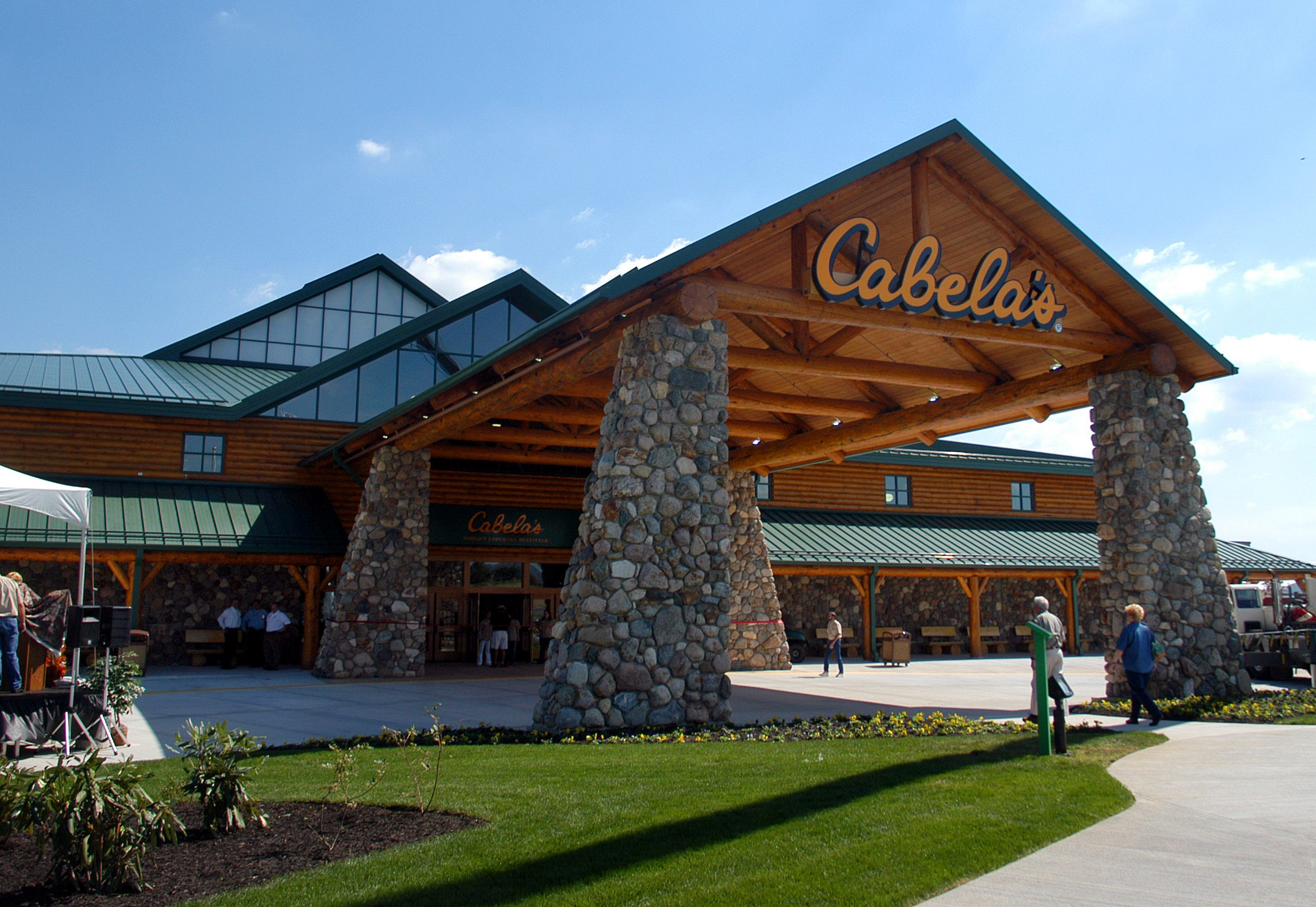 Cabela's World's Foremost Outfitters Opens First East Coast Retail Outlet and Museum