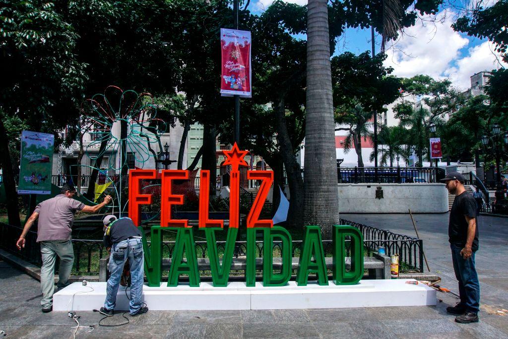 Feliz Navidad sign in Caracas
