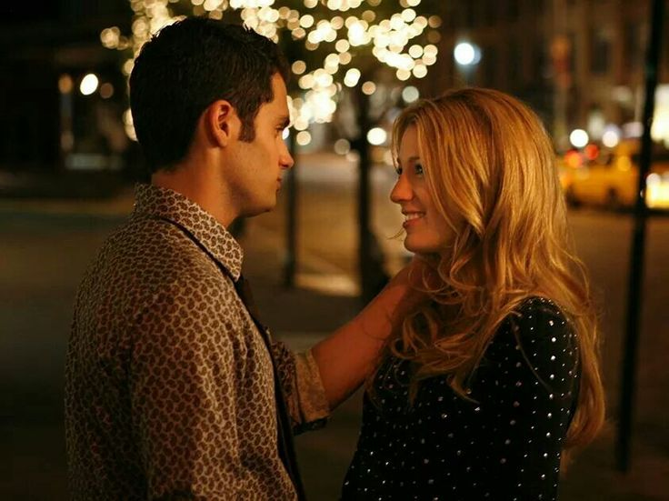 Penn Badgley as Dan Humphrey and Blake Lively as Serena van der Woodsen on Gossip Girl