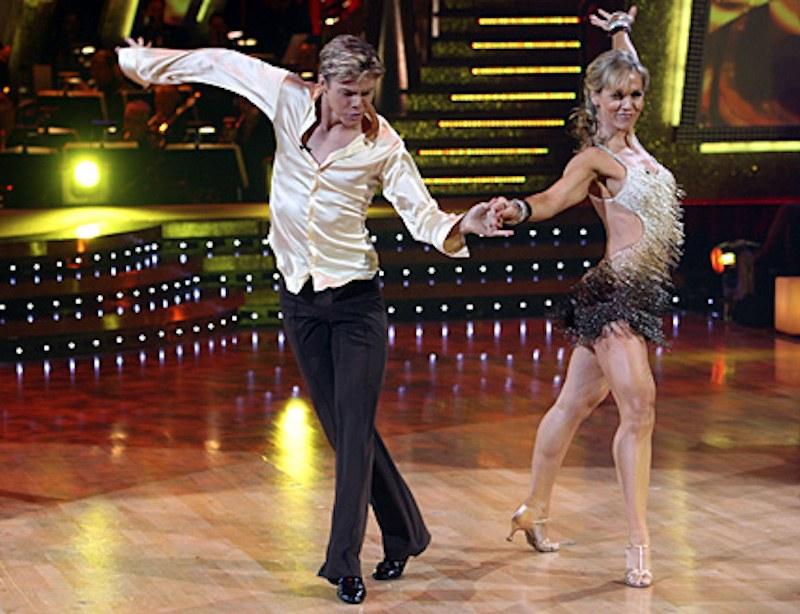 Jennie Garth dances with Derek Hough