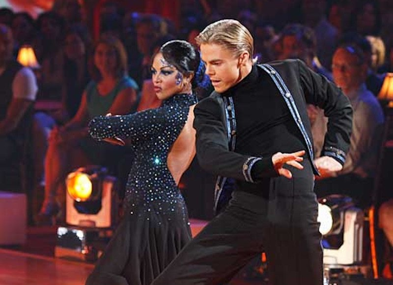 Lil' Kim dancing with Derek Hough