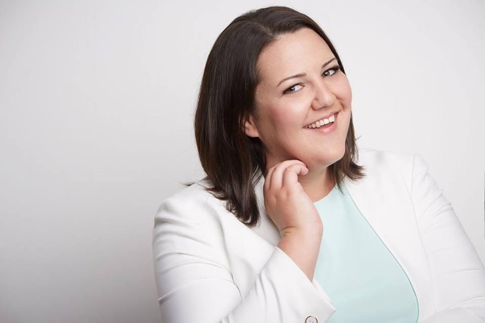 Samantha English Facebook marketer