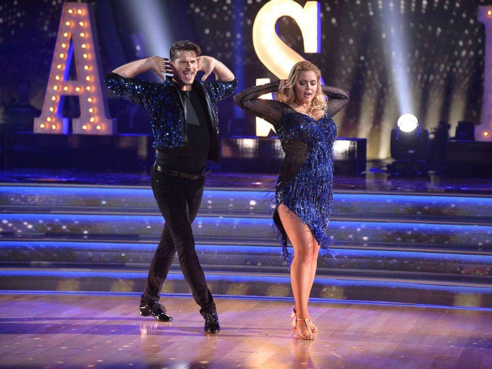 Sasha Pieterse and Gleb Savchenko dancing in blue costumes