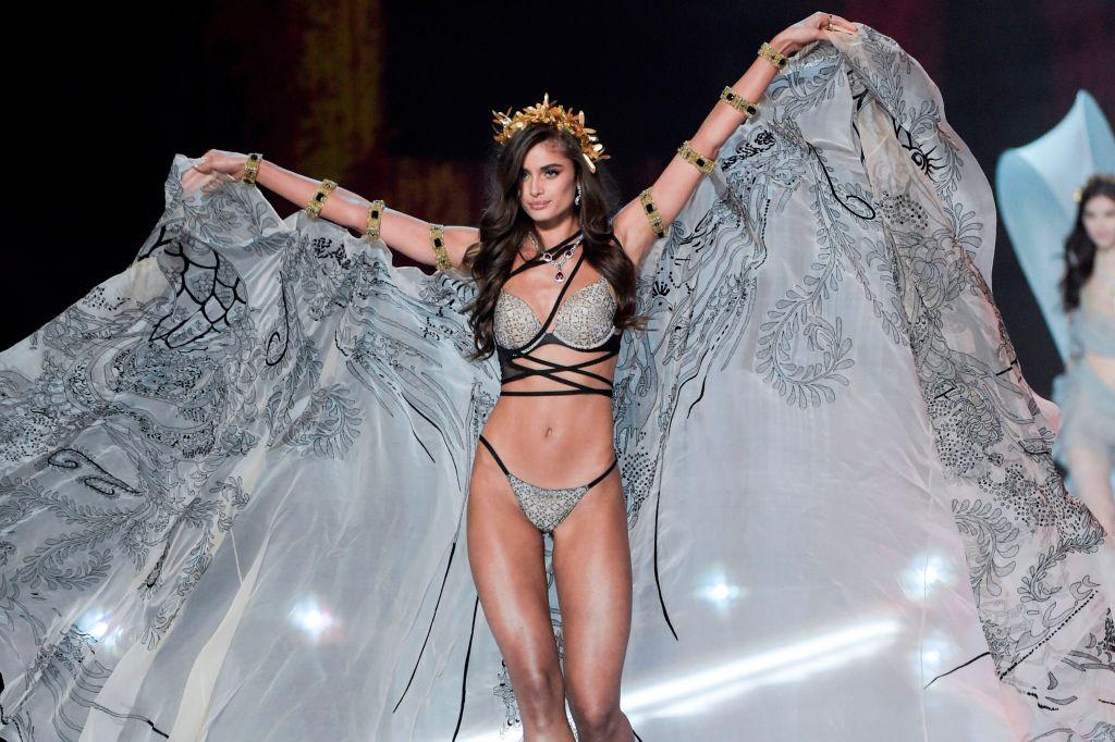 Taylor Hill Victoria's Secret Fashion Show